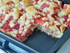 "Strawberry ""Long-Cake"" 