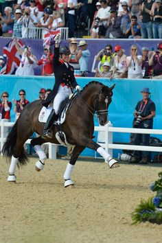 Charlotte Dujardin and Valegro. Look out Totilas!