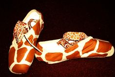 I love these decorated pointe shoes!
