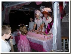 Lucy and the Chocolate Factory trunk or treat, very creative.