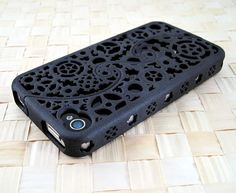 such a cool iphone case. It would look great on the white 4s iphone.