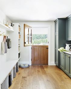 27 Ways to Maximize Your Mudroom