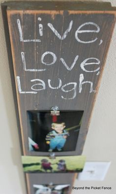 Photo Boards--Easy Way to Display Pictures http://bec4-beyondthepicketfence.blogspot.com/2014/03/photo-boards-easy-way-to-display.html