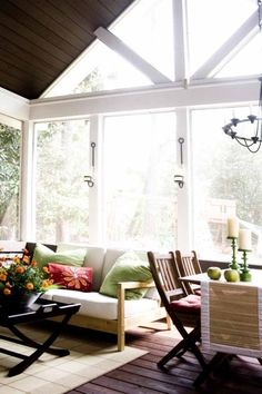 Let the sun pour into this great screen porch!