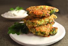 Broccoli Cheddar Jalapeño & Quinoa Fritters // a healthy alternative to poppers via Jilly Inspired #appetizer #clean