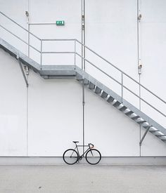 Metallic stairs and fixed gear