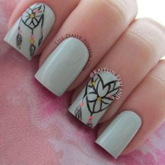 Heart dreamcatcher nail art tutorial! Scarlett Guadiana you should learn this! :)