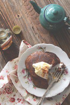 Healthy gingerbread pancakes