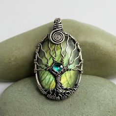 Labradorite tree of life pendant Natural by DreamingTreesJewelry. Absolutely beautiful!
