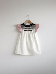 Flutter sleeve pattern block dress. Beautiful. A #CanDoBaby! fave.