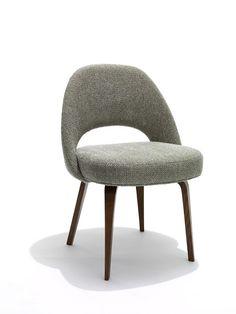Saarinen Executive Chair with Wood Leg KNOLL