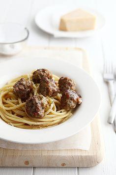 Meatballs with Garlic & Butter Spaghetti