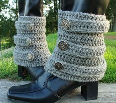 @Julie Forrest Forrest Mervich Feicht  I think i found a new project!  a new spin to the boot cuff! crochet boot cuffs, ankle boots, crochet patterns
