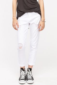 16 pairs of white pants that you can ACTUALLY wear this summer