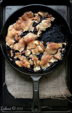 Skillet Apple Berry Pie | diethood.com
