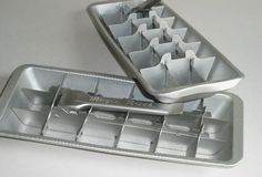 I absolutely hated pulling the handles on these ice cube trays!
