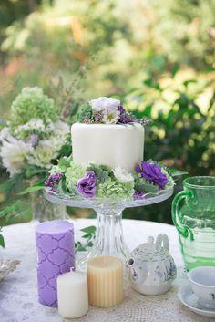 mini wedding cake ideas http://www.weddingchicks.com/2013/10/14/tea-party-wedding-ideas/