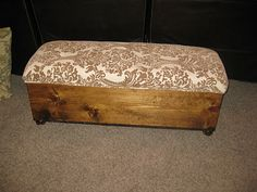 TDA decorating and design: Storage Ottoman - Finishing Touches - Part 2