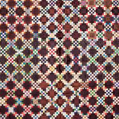 Antique Irish chain quilt, displayed at the Textile Museum of Canada, Kaleidoscope: Antique Quilts from the collection of Carole and Howard Tanenbaum