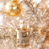lovely cotton reel spool ornaments to make