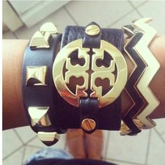 stacked bracelets, fashion, arm party, tori burch, style, accessori, tory burch, jewelri, arm candies
