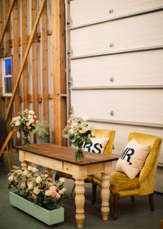 Those chairs are adorable. decor wedding, sweetheart table, vintage chairs, reception decorations, layer cakes, rustic chic, the bride, flower boxes, window boxes