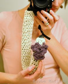 Crochet Camera Strap Cover Tutorial, I want one