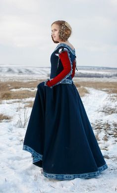 """Medieval Woolen """"Red Sleeves"""" Dress - Pearsons Renaissance Shoppe"""