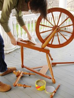 How to clean a spinning wheel