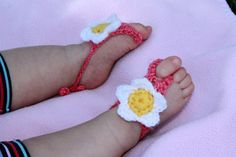 Barefoot Baby Sandals Crochet-- how stinkin' cute!