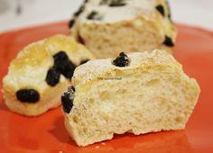 Pan de agua con arándanos  http://www.thespanishfood.es/2012/02/pan-de-agua-con-arandanos.html