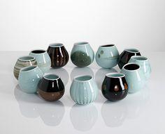 chris keenan's wonderful rocking bowls     http://www.studiopottery.co.uk/images/stories/keenan_c/Chris_Keenan1203.jpg