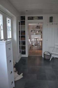 built-ins around the door!