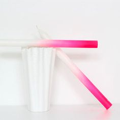 Make these beautiful neon ombre candles with a very simple technique!