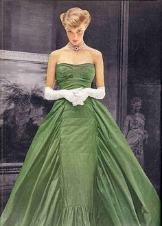 Jean Patchett in a stunning green strapless evening gown by Hudson Fashions, 1948 vintage gowns, jean patchett, vogue fashion, 1950s style, dresses, evening gowns, jeans, green dress, clothing styles