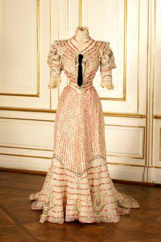 Resort dress worn by Empress Elisabeth of Austria, ca 1890's Austria, the Sisi Museum