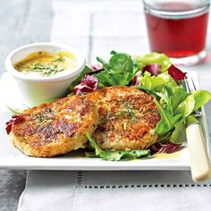 These Salmon-Potato Cakes are delicious. Give them a try tonight! More quick and easy recipes: http://www.bhg.com/recipes/quick-easy/