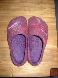 slipper tutori, patterns, wet felting, felt slipper, felted slippers, craft projects, felted wool, shoe, crafts