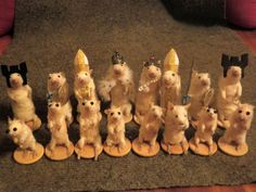 Dangerous Minds | Taxidermied mice chess set HOLY CREEPY. If @Jennifer Lawson isn't who bought this, I sincerely hope they were buying if for her for Christmas.