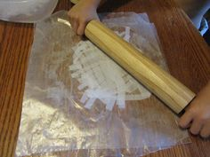 Geronimo is exposed to PAPYRUS in his mission to Egypt.  Learn about papyrus and MAKE YOUR OWN!