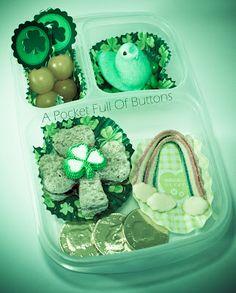 St. Patrick's Day Bento Lunch http://www.apocketfullofbuttons.com/2012/03/st-patricks-day-bento-hop.html