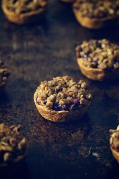 Cranberry Mini Pies topped with Walnut Streusel | Movita Beaucoup