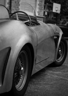 Would love to do something with old classic cars... so chic.