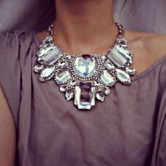 sparkle. amazing statement necklace.