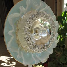 Garden Flowers - made from dishes, vases, etc.  Lots of great ideas on this link. glass art, studio, glass flowers, boutiques, garden glass, garden art, pickl tink, gardens, flower photos