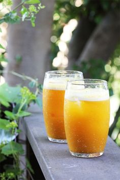 Pumpkin and Apple Cider Fizz..pumpkin puree (canned or homemade*),  vanilla vodka, apple cider, ginger beer