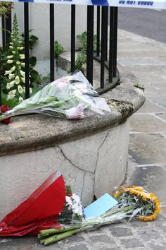 Amy Winehouse dead: Photos of scene outside apartment