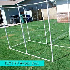 rainbowsandunicornscrafts:    DIY PVC Pipe Giant Spinkler. I love PVC pipe and have made a playhouse and room divider using them.Really easy utorial from Classy Clutter here.*This reminds me of the car wash sprinkler I posted here.    Truebluemeandyou: Blogged this on my kids' crafts blog. This takes an hour to make and summer is finally here and it's HOT and HUMID.