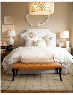 bed room, antlers