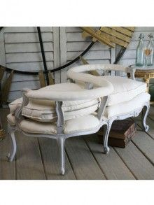 A wonderful example of how elegant French country furniture really is!